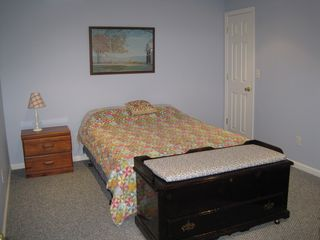 Hampton Bays house photo - Lower-lwvel Queen Size Bedroom