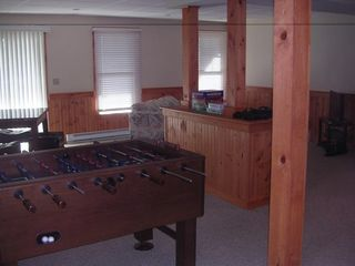 Tannersville townhome photo - Foosball, TV, DVD, Play Station, Queen Sleeper and Full Bath