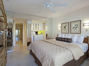 Key West studio rental - King Size Bed