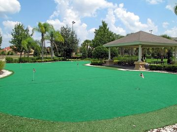 FREE Putting Green