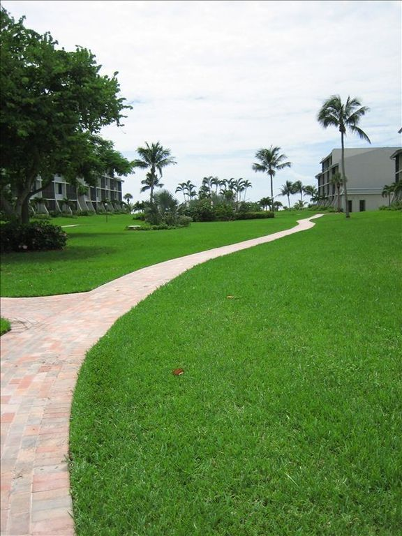 Stroll Down the Pink Pathway To Pool, Beach, & Gulf!