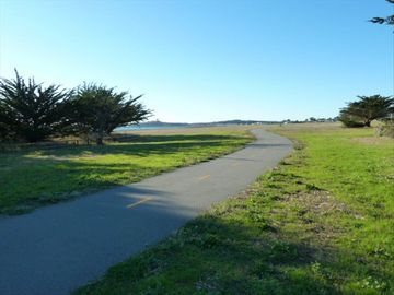 The Coastal Trail runs 8 miles along the beach & is a 4 minute walk away!
