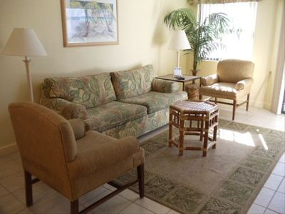 St Pete Beach condo rental - Bright, homey Living Room Comfortable