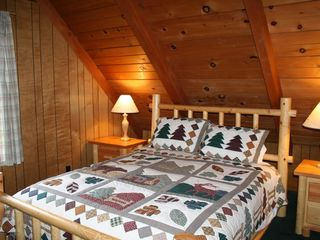 Moonridge cabin photo - Large Kinh Bedroom & Two Queen Bedrooms