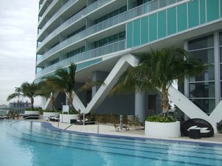 Miami condo photo - facade