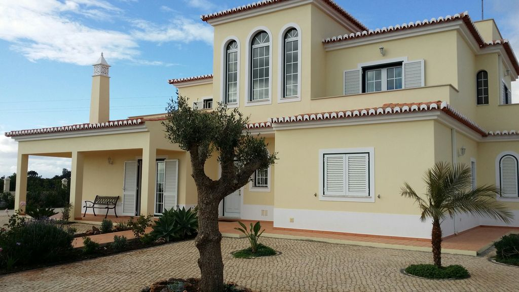 Peaceful house, close to the beach , Porches, Faro