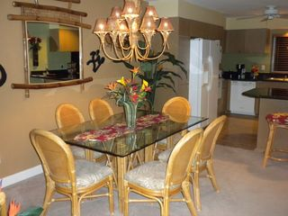Waikoloa Beach Resort condo photo - Dining room with table and chairs for 6
