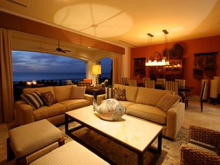 Cabo San Lucas villa photo - Gorgeous living space opens to patio