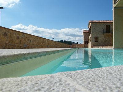 Beautiful Apartments In The Heart Of The Chianti with panoramic swimming pool