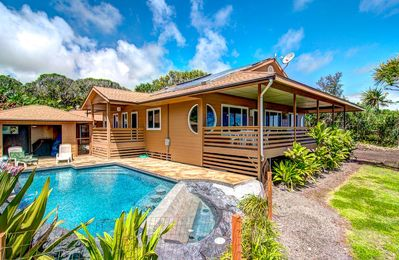 Kai Malolo (Quiet Seas)  Oceanfront Eco-Home