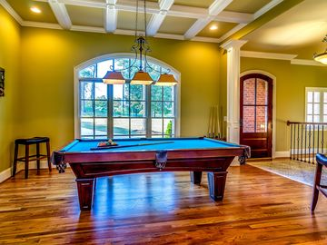 Birmingham house rental - Championship Brunswick pool table for friendly competition