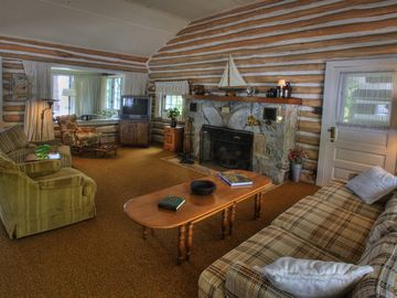 Living room in Main cabin.