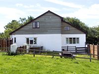 WHYTINGS, pet friendly, with a garden in Uplyme, Ref 2581