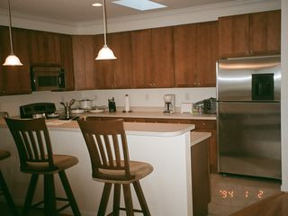 Fenwick Island townhome photo - Breakfast bar/Kitchen