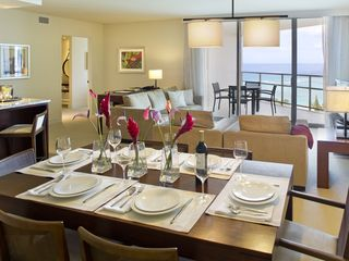 Honolulu condo photo - Dining area overlooks the ocean view, open floorplan perfect for family, friends