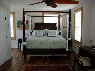 Savannah cottage photo - Four Poster King size bed with luxurious bedding