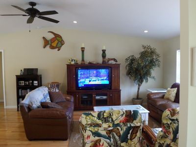 .Enjoy relaxing watching the 46 inch LED HD TV with DVR or read from our library