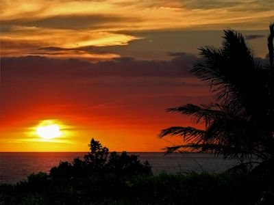 Enjoy an evening watching a beautiful sunset in Kailua-Kona, Hi.