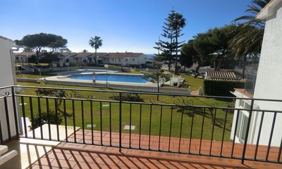 1 Bedroom apartment with South facing terrace and pool and sea views