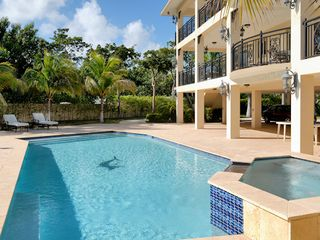 Tavernier estate photo - Pool and yard area