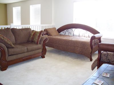 Palmetto villa rental - Upstairs den with day beds