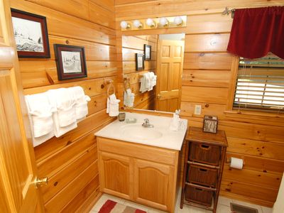 Pigeon Forge cabin rental - Bth Rms, CLEAN, Soap, TP, Lots of towels, Tissue and Hairdryer, sm shower.