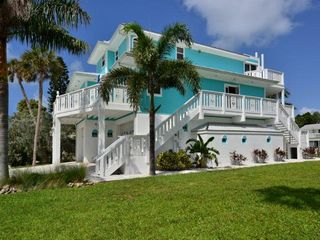 Anna maria island waterfront home with homeaway for Dennis mill cabin