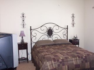 Osage Beach condo photo - 2nd Bedroom with Queen sized bed, large closet, and 20' TV/DVD