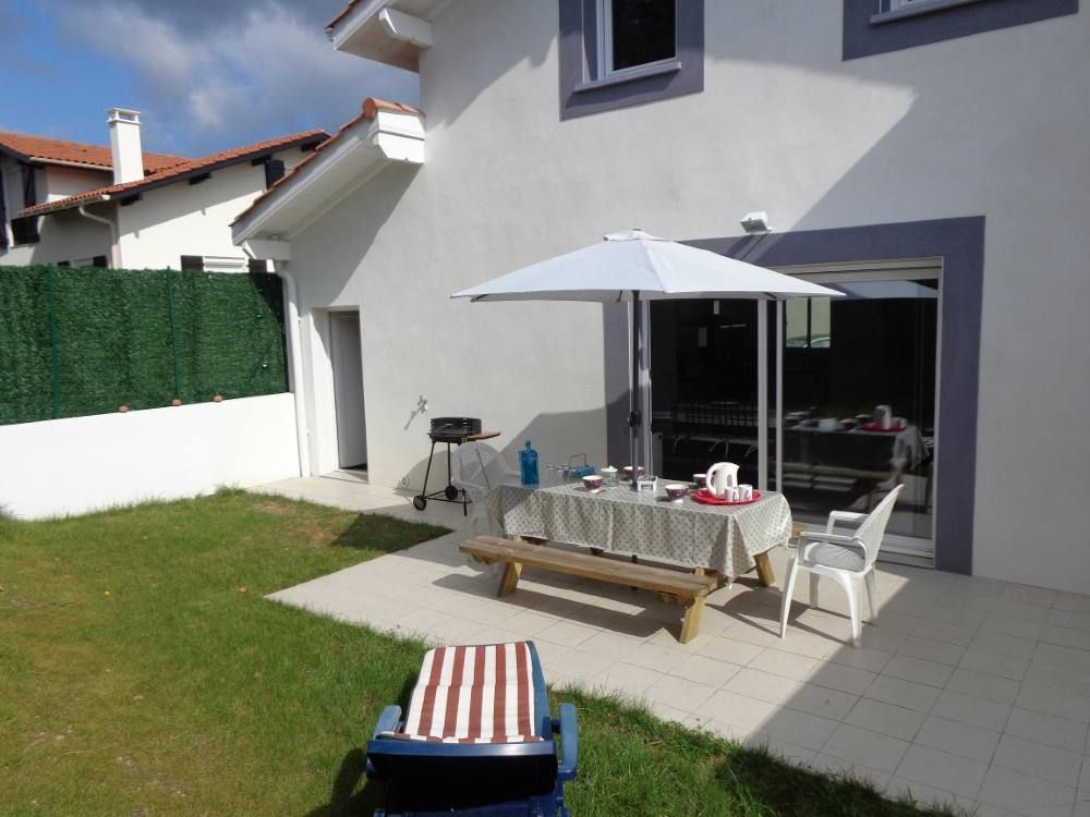 Anglet location de vacances maison avec salon de for Anglet location maison