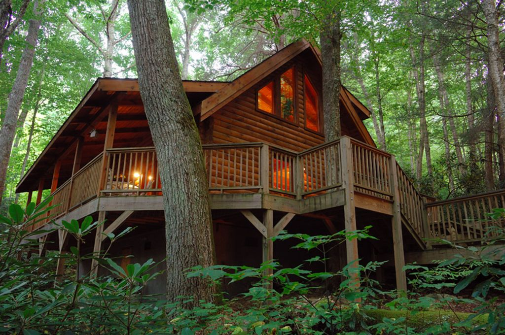 Secluded property waterfall pond vrbo for Rent a cabin in georgia mountains