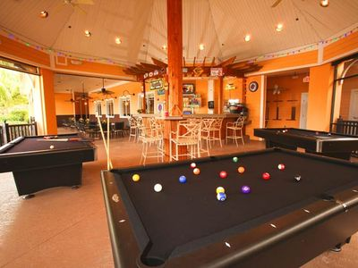 Davenport Lakes condo rental - poolside bar