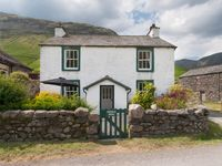 A lovely cottage set in fantastic Lake District countryside