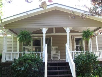 Lake Seminole house rental - Front of 'Frog Holler'