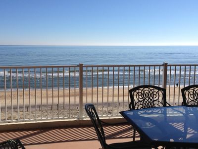 Oceanfront Condo On The Beach - Perfect For Family And Friends