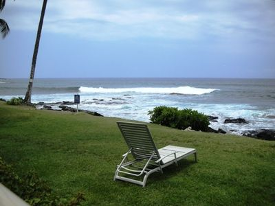 Kailua Kona condo rental - Relax by the pool -- or just ourside the pool area by the shore