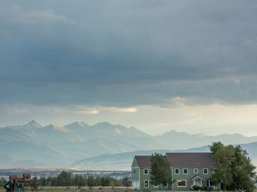 Bozeman chateau / country house rental - Wild Mountain Ranch located at the base of the Bridger Mountains with 360° views