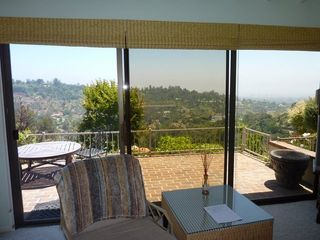 Beverly Hills cottage photo - Looking out to Balcony
