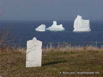 Icebergs and the Ochre PIt Cove Graveyard