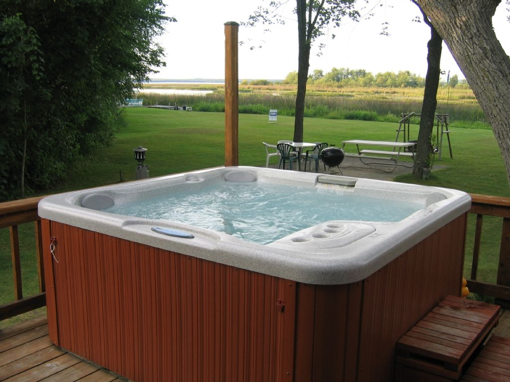 image gallery outdoor hot tubs. Black Bedroom Furniture Sets. Home Design Ideas