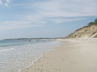 Chilmark house photo - Lucy Vincent Beach.