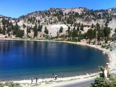 The Lassen Park hwy leads right past some spectacular scenery.