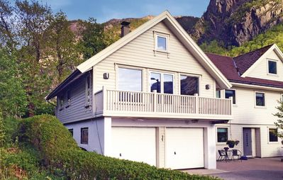2 bedroom accommodation in Dirdal