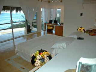 Huatulco villa photo - Master en-suite Bedroom King size bed - what an Ocean View!