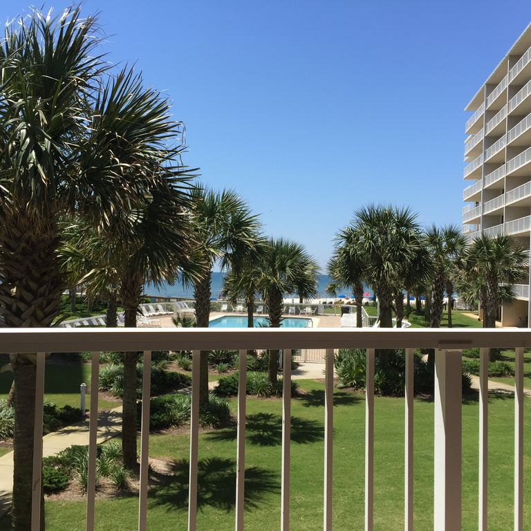 SPECIAL!!!! $1,050 PER WK, ALL-IN, NOW THRU DEC 17 = BEAUTIFUL  & GREAT LOCATION