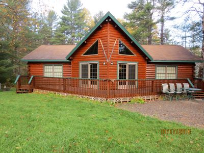 Log Cabin home with Mt Ascutney views and pool table