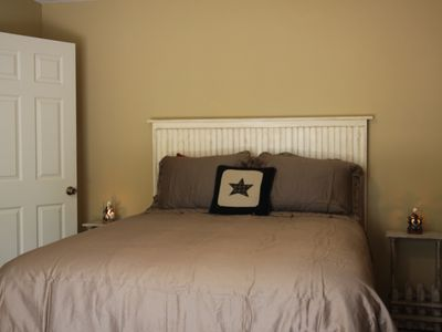 First Floor Master Bedroom, Queen Size Bed