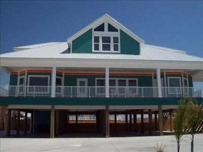 The dolphin house perfect for weddings and family for 9 bedroom vacation rentals