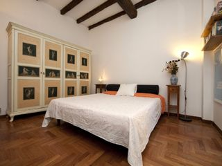 Bologna apartment photo - The master bedroom - top choice linen, furniture