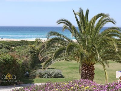 Exclusive  villa with direct access to the beach in Atlanterra