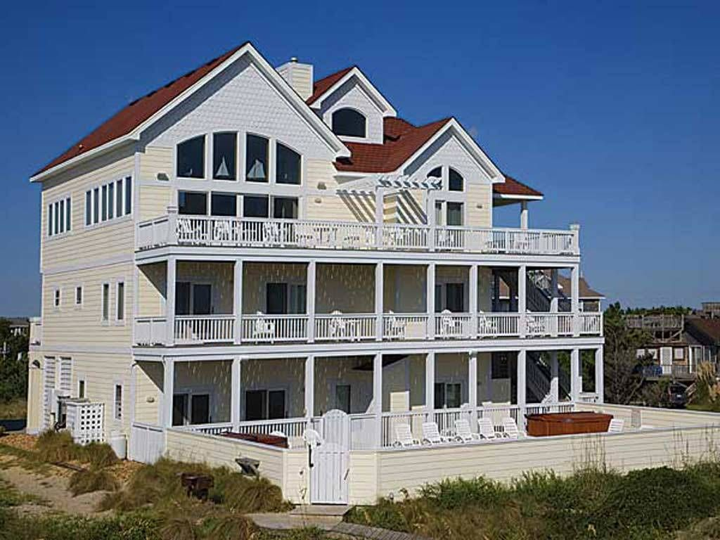 Castlemere 10 br 11 1 ba ocean front homeaway avon for 10 bedroom mansion